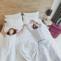 夫婦 ベッド