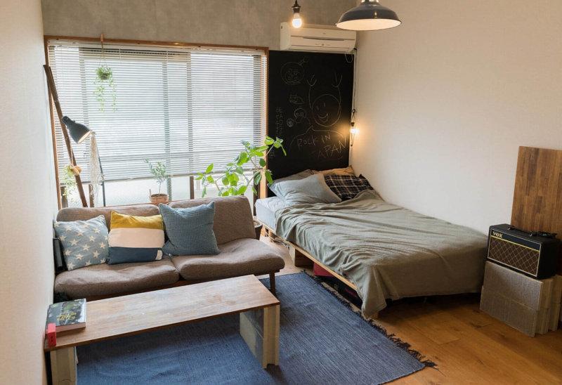 8畳ワンルームのセミダブルベッド